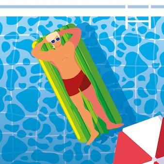 Homem de bronzeamento em flutuar na piscina