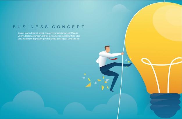 Homem de escalada na lâmpada. conceito de pensamento criativo
