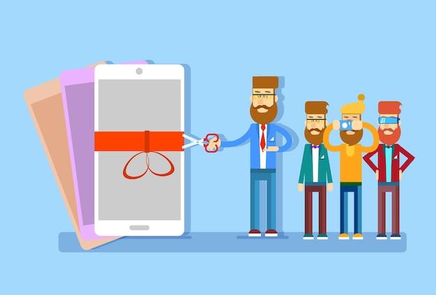 Homem de negócios apresentação novo modelo celular smart phone