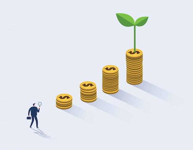 Homem de negócios que procura a oportunidade do investimento que está no gráfico do crescimento de dinheiro.