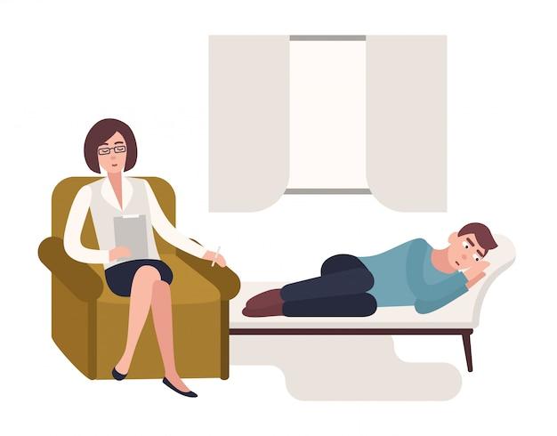Homem deitado no sofá e psicólogo feminino