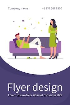 Homem deitado no sofá quando mulher em pé e olhando para ele. sofá, preguiça, esposa modelo de folheto plano
