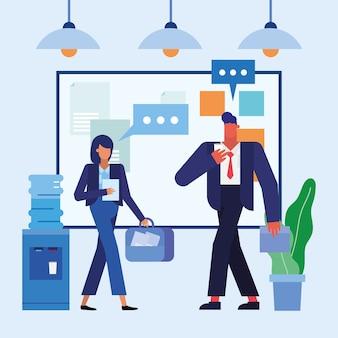 Homem e mulher com placa no design do escritório, objetos de negócios, força de trabalho e tema corporativo