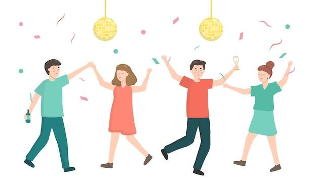 Homem e mulher tem festa de dança em casa. decoração de festa de aniversário com bola de discoteca e confetes coloridos de tiro. eles bebem licor e suco.
