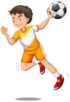 Homem jogando bola de futebol isolada
