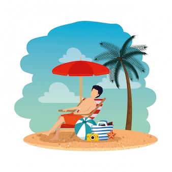 Homem jovem, com, bolsa, sentada, em, cadeira, praia