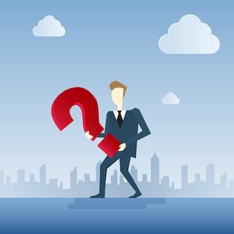 Homem negócio, com, pergunta, marca