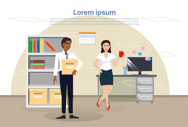 Homem negócio, e, mulher, em, escritório, vários profissionais, trabalhadores, em, local trabalho