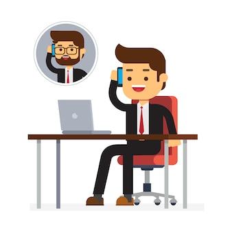 Homem negócios, conversa telefone, com, sócio
