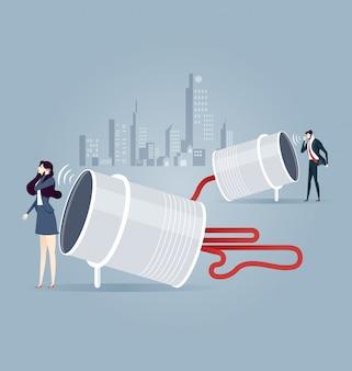 Homem negócios, e, mulher fala, com, lata, telefone