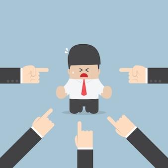 Homem negócios, sendo, pointed, por, muitos, mãos