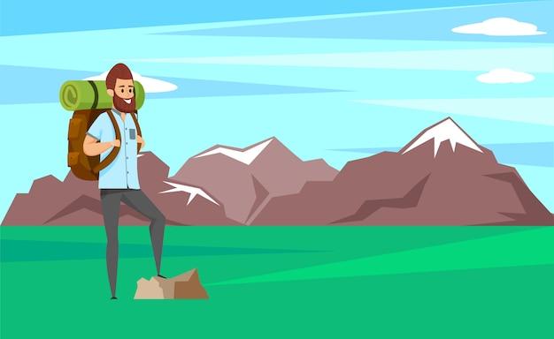 Homem sorridente com barba em pé na pedra, alpinista