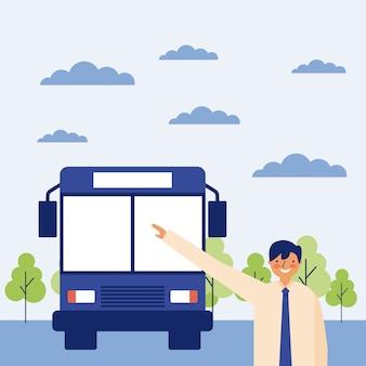 Homem tomando um ônibus, cena ao ar livre