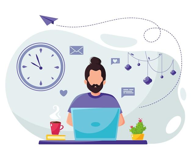 Homem trabalhando em um laptop em casa, isolado no branco