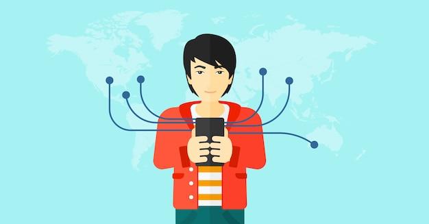 Homem usando smartphone.