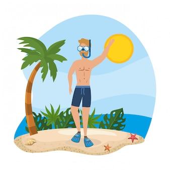 Homem vestindo calções de banho com máscaras de snorkel e folhas de plantas