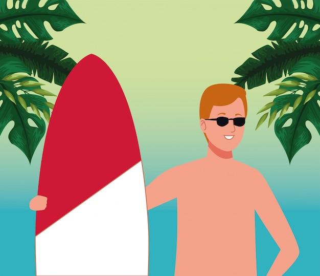 Homem vestindo roupa de praia em personagem de prancha de surf