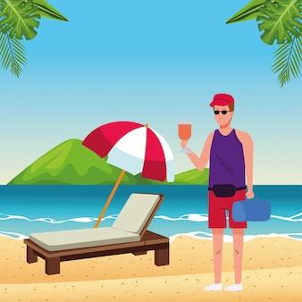 Homem vestindo terno de praia bebendo personagem de coquetel