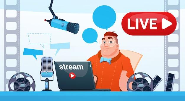 Homem video blogger stream online blogging inscrever conceito