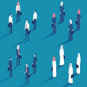 Homens de negócios diferentes com caso na mão esquerda no terno e camisa com gravata vermelha na vista isométrica.