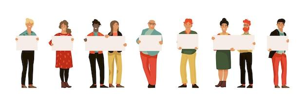Homens e mulheres com cartazes.