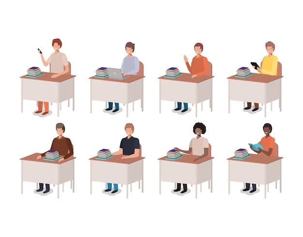 Homens, usando tecnologia, e, leitura, escrivaninha