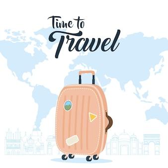 Hora de viajar com design de bolsa e mapa-múndi, bagagem de bagagem e tema de turismo.