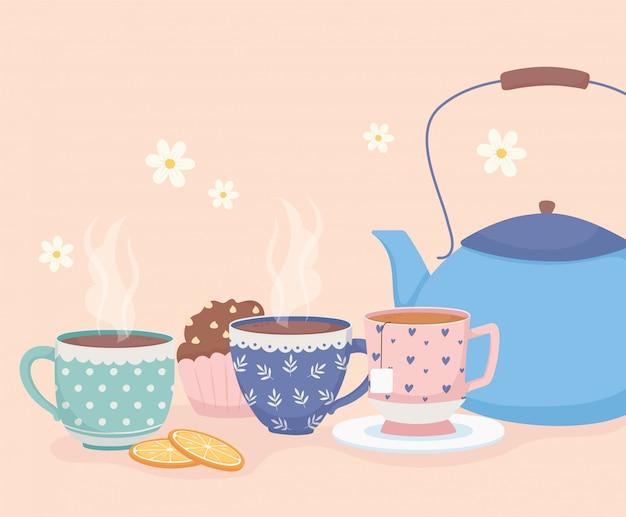 Hora do café e chá, xícaras de chaleira azul e sobremesa doce cupcake