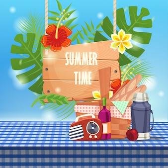 Horário de verão com cesta de piquenique na toalha de mesa