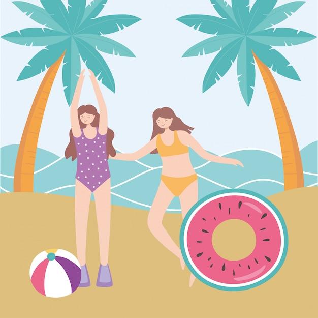 Horário de verão, mulheres praia, com, flutuador, bola, palmas, férias, turismo