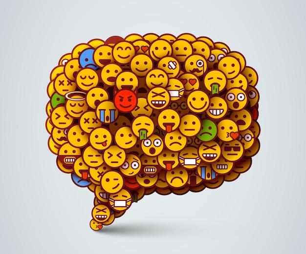 Ícone de bate-papo criativo feito de muitos pequenos sorrisos. rede social e conceito de comunicação.