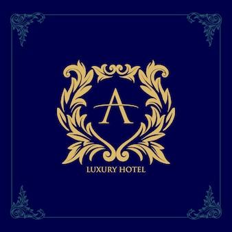 Ícone de linha dourada do logotipo hotel de luxo modelo