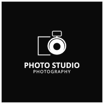 Ícone de vetor branco para fotógrafos no fundo preto ícone da câmera