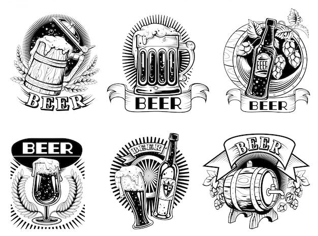 Ícones de cerveja ou emblemas com espuma de bebida de álcool