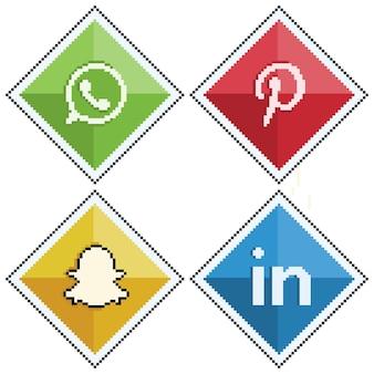 Ícones de mídia social e redes sociais em pixel art whatsapp pinterest snapchat linkedin 8bit sty