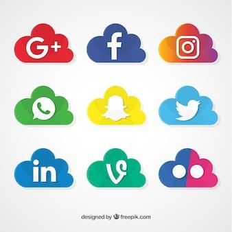 Ícones de redes sociais em forma de nuvem