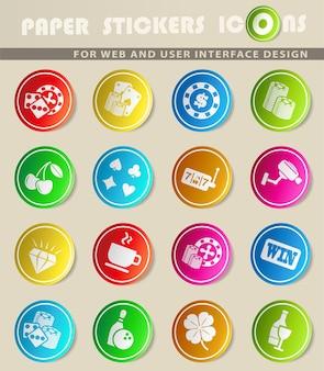 Ícones de vetor de cassino em adesivos de papel colorido