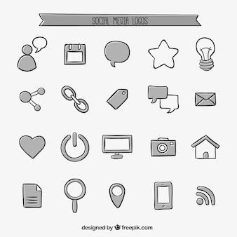 Ícones desenhados mão do social media Vetor grátis