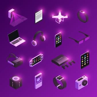 Ícones isométricos de dispositivos eletrônicos inovadores de tecnologia eletrônica definidos com fone de ouvido de realidade virtual relógio inteligente roxo
