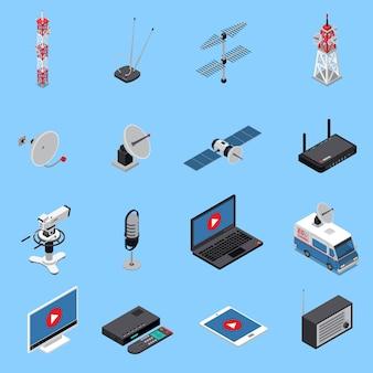 Ícones isométricos de telecomunicações com equipamentos de transmissão e dispositivos eletrônicos
