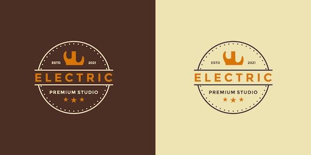 Ideia de chiqueiro vintage de design de logotipo de guitarra elétrica para seu estúdio de negócios ou sua comunidade