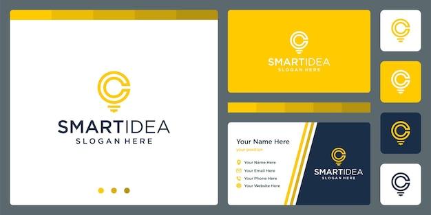 Ideia inteligente com modelo de design de cartão de visita de lâmpada de forma e letras iniciais c. vetor premium