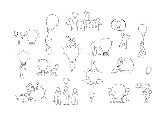 Idéias de lâmpada de desenho animado com pessoas pequenas. coleção desenhada mão em quadrinhos com trabalhadores.