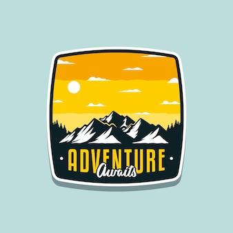 Ilustração da aventura aguarda pelo design de crachá ou camiseta ao ar livre