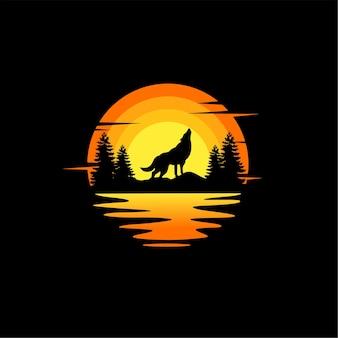Ilustração da silhueta do lobo, vetorial, design de logotipo animal. laranja, pôr do sol nublado, vista para o mar