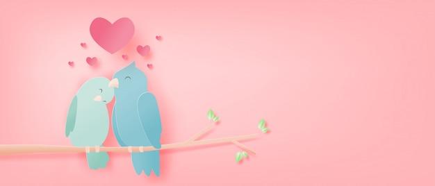 Ilustração de amor com um pássaro em galhos de árvores e forma de coração em papel cortado estilo