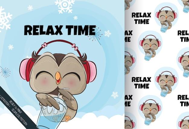 Ilustração de coruja pequena feliz na neve.