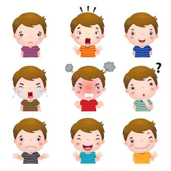 Ilustração de rostos de meninos bonitos mostrando emoções diferentes