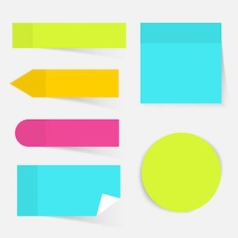 Ilustração de um conjunto colorido de notas autoadesivas. conceito de negócio moderno design plano.