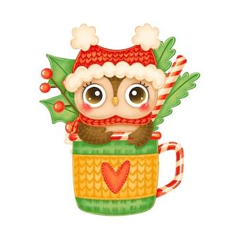 Ilustração de uma coruja de natal bonito dos desenhos animados com chapéu vermelho e lenço em uma caneca de chá